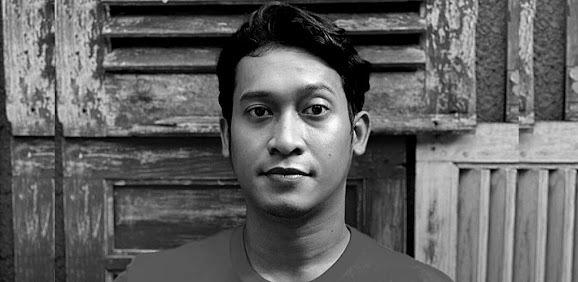 COVID-19: Pelakon Indonesia Ade Firman Hakim meninggal dunia (1 Video) https://t.co/56Iy3B0drC https://t.co/9g2o6qioWT