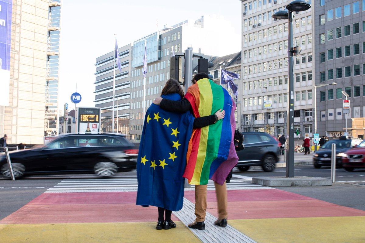 Les zones sans LGBTI sont des zones sans humanité, et elles n'ont pas leur place dans notre Union.   Être soi-même n'est pas une question d'idéologie. C'est votre identité. Et nul ne pourra jamais vous la retirer.  #SOTEU #EU4LGBTI #LoveIsLove #UnionOfEquality https://t.co/lrmGLn1Egy