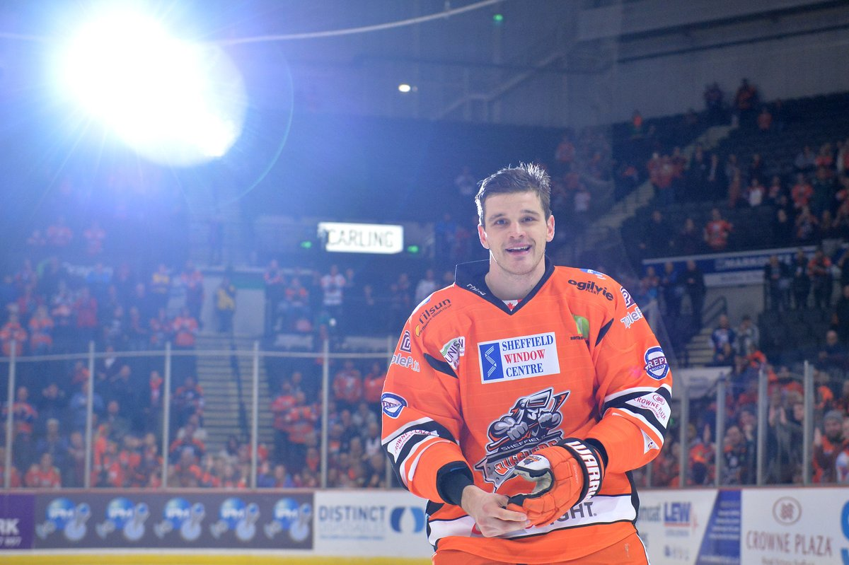 """BREAKING: Sheffield Steelers defenceman James Bettauer is leaving the club to play back home in Germany, whilst finishing his MBA. Aaron Fox: """"We are still hopeful to start here back again in Jan /Feb & there's still an option to bring James back to Sheffield if that's the case"""