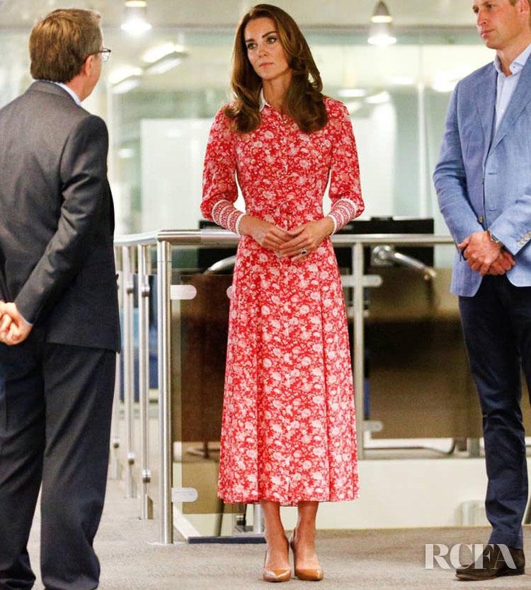 Catherine, Duchess of Cambridge Wore Beulah London For The Beigel Bake Visit  https://t.co/QNVEcdrTX5 https://t.co/U4DSin1XzA