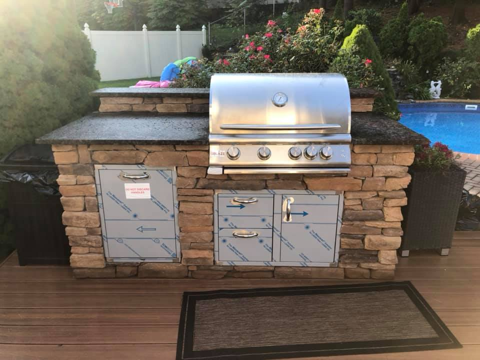 At The Outdoor Kitchen Factory, owners get to choose every aspect of their kitchen! Starting from the shape to the size to the color, the decisions are always up to them! Check out more of our projects at https://t.co/s8APvxC3dR #OutDoorKitchen #pergolas #BBQs #grills #FirePit https://t.co/suf81vAeis