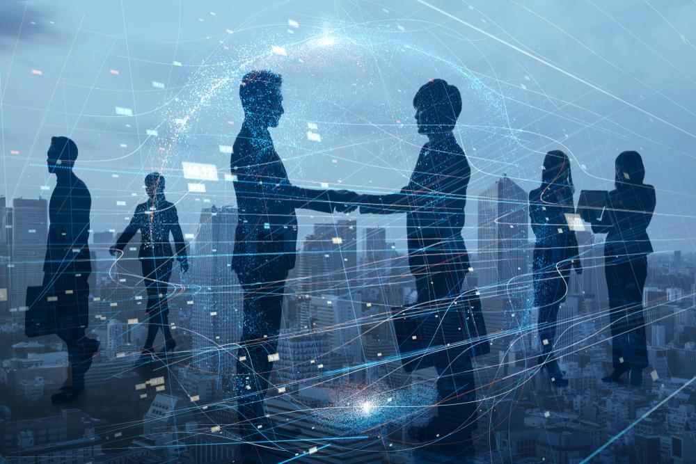 Según un análisis de @PwC, la mayoría de los directores ejecutivos creen que los cambios impulsados por la pandemia hacia la colaboración remota (78%), la automatización (76%) y menos personas que trabajan desde oficinas (61%) están aquí para quedarse https://t.co/7JwQga4UWr https://t.co/8HG5pmDBfC