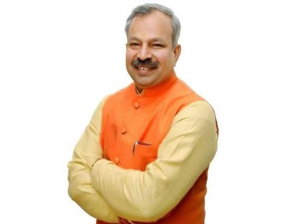 भारतीय जनता पार्टी दिल्ली प्रदेश अध्यक्ष श्री आदेश गुप्ता जी की #COVID19 रिपोर्ट पॉज़िटिव आई है, ईश्वर से प्रार्थना करता हूँ कि हमारे जुझारू प्रदेश अध्यक्ष को जल्द स्वस्थ्य करे @adeshguptabjp @BJP4Delhi https://t.co/uzc4deXb9y