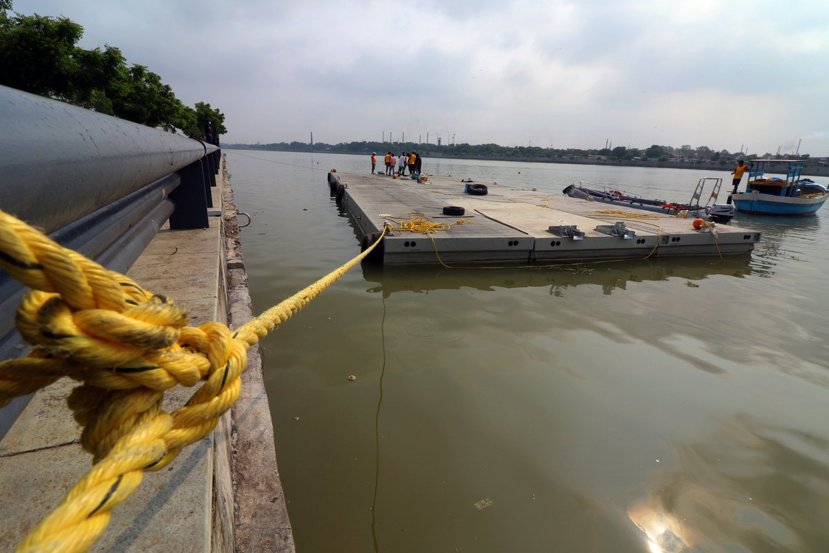 The jetty is set for #seaplane on Sabarmati riverfront #Ahmedabad @ahmedabadmirror https://t.co/TnfPd8H08o