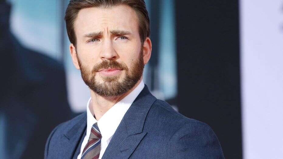 "#INFOSOS  Chris Evans adresses his accidental nude leaks on social media in recent interview: ""It's embarrassing but you gotta roll with the punches. I will say, I have some pretty fantastic fans who really came to my support."" https://t.co/mcdjjKca4l"
