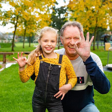♻️| GRUTSK! Samen 19% minder zwerfafval in Friesland! Dankzij een unieke en nieuwe zwerfafvalnorm. Mooie samenwerking met @SupporterSchoon  en o.a @fmf_frl, @CirculairFRL @Pietsweer, @Heerenveen Lees hier het succesverhaal: https://t.co/dZ46greuX5 #Friesland #zwerfafvalvrij https://t.co/W9jUJVkjdG