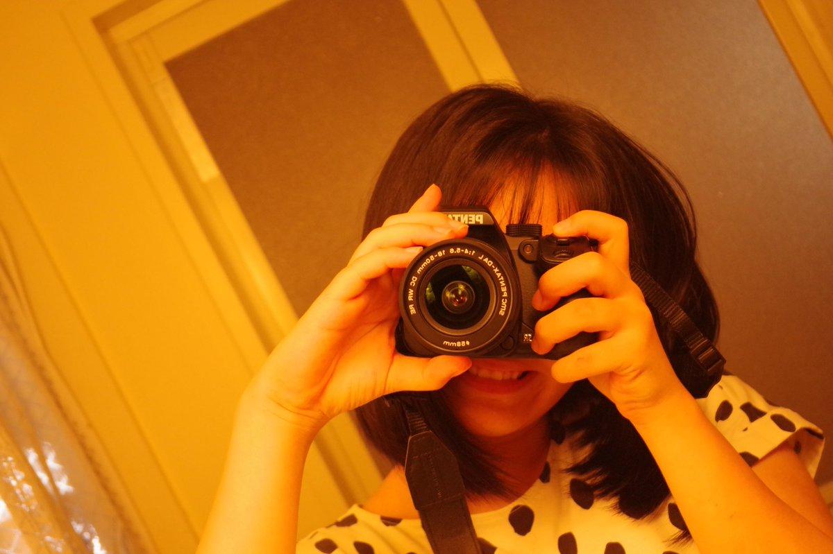ついに一眼レフデビュー! iPhone XRで頑張って良い写真撮ろうと工夫してたのもあって、めちゃくちゃ感動する🥺 (寝巻きで自撮りする奴) #一眼レフ #PENTAX #K70 #カメラ初心者 #カメラ初心者の人と繋がりたい  #カメラ好きな人と繋がりたい #カメラマンさんと繫がりたい https://t.co/j2G9rno0BJ