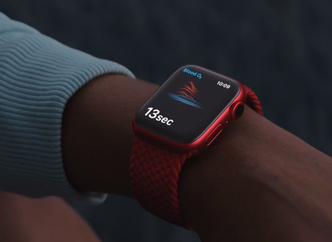 """Apple Watch's blood oxygen monitor is for """"wellness,"""" not medicine"""
