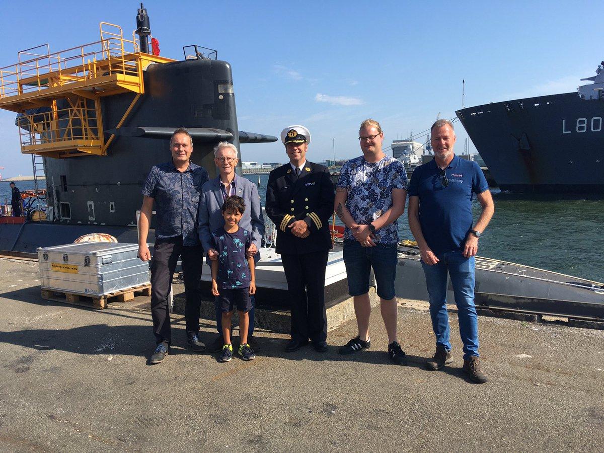 In 1962 voer korporaal Hans van Kesteren in 8 maanden de wereld rond met onderzeeër Walrus. Om gezondheidsredenen wilde hij de marinebasis Den Helder en Onderzeedienst nog eenmaal bezoeken. Wij konden in deze laatste wens voorzien, voor hem en (klein)zoons. 🙏⚓️😇#defensie