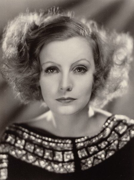 Greta Garbo was born on this date September 18 in 1905. Photo credit: MGM. #OTD https://t.co/kPQHPJAm2O