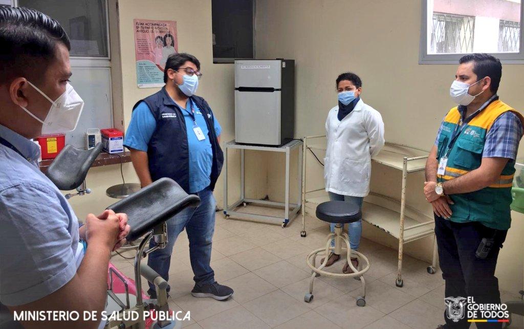 #Pangua| Durante la visita del Responsable Zonal de Gobernanza al Centro de Salud, dialogó con el personal de salud y agradeció por el trabajo que vienen realizando para enfrentar la pandemia por #COVID19. Trabajamos con vocación de servicio para garantizar servicios de salud. https://t.co/c4jO92OJeu