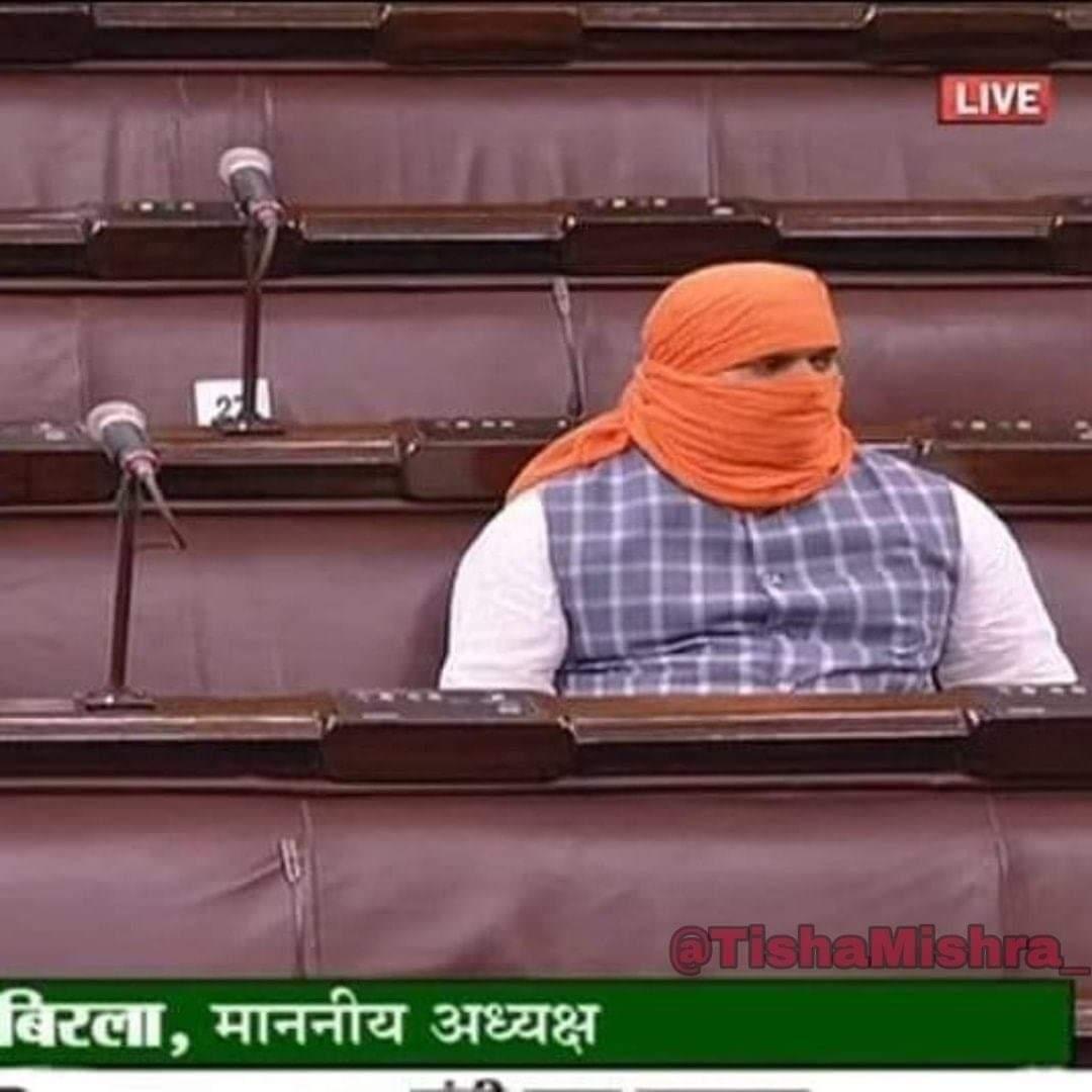 """Beehad Mein Baaghi Hote Hain, Dacait Milte Hain Parliament Mein"" #IrfanKhan (Paan Singh Tomar) https://t.co/RmbmMFRGPj"