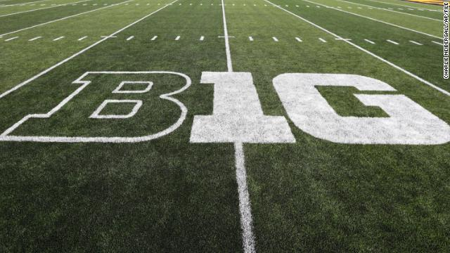 The Big Ten conference says it will play college football this fall, reversing its early decision to postpone the season due to the Covid-19 pandemic https://t.co/WuTws5Er4r https://t.co/aTF6ybSLGd