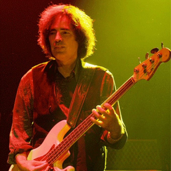Happy birthday to Heartbreakers bassist Ron Blair!