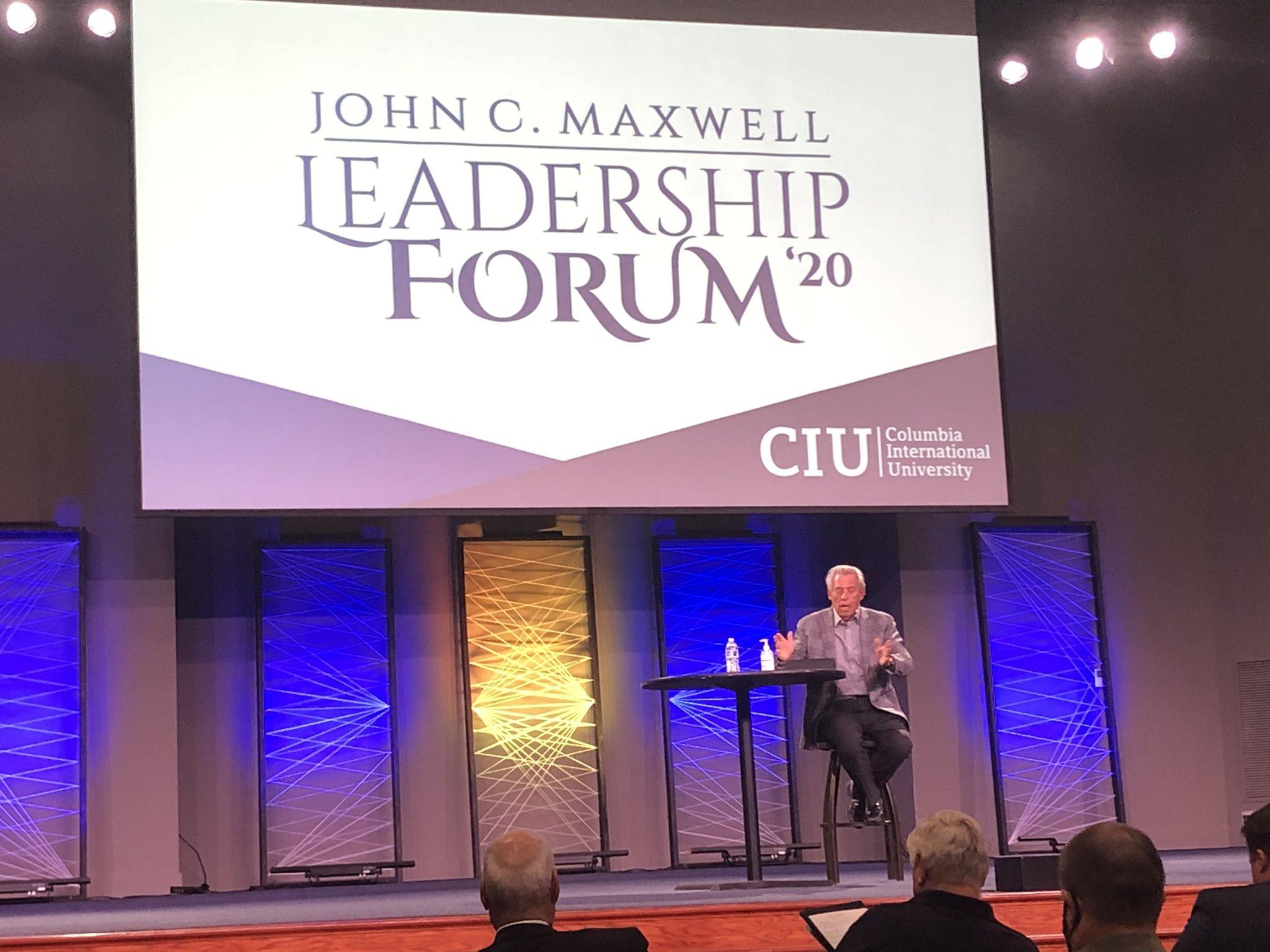 Maxwell Photo