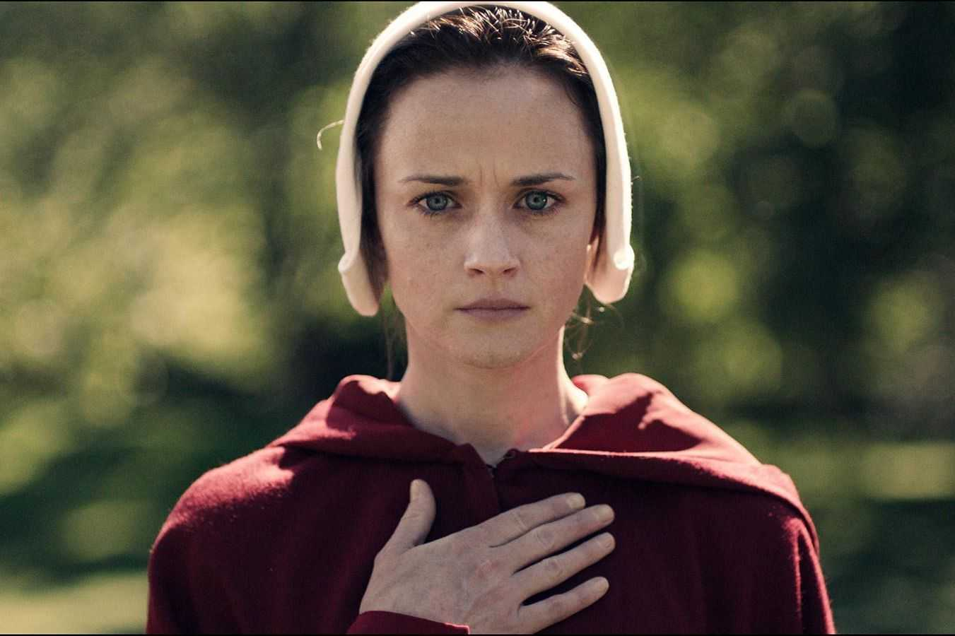 Happy 39th birthday to Alexis Bledel, star of THE HANDMAID\S TALE, SIN CITY, and more!