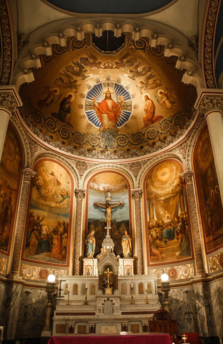 Interior of Most Holy Redeemer Church in New York City. https://t.co/L89bjfh3ID