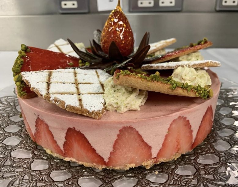 Young Pastry Chef of the Year 2020 Very worthy competitors!  Look at this exceptional patisserie work! https://t.co/nAreCgOkeN