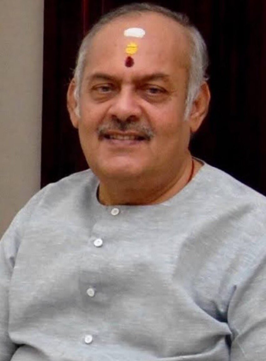 We have lost a gem. Krishnakumar ji was a passionate man who cared for this country and the people around him. He took Ayurveda to a common man through his @avp_ayurveda Coimbatore will miss him deeply. I will always remember his gentle advice and his kind smile. Om Shanti!