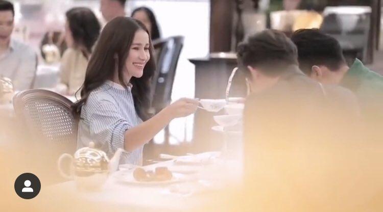 test ツイッターメディア - タイテレビCH3の大女優&ヒットドラマプロデューサーのAnneさんが、話題の2人とお茶飲んでる。 サイアムパラゴンのファッションウィークがらみのPR動画の一部らしいのだけど、これは次の展開がある、かな? さすがAnneさんだと思った。 #タイドラマ #BL  #BrightWin https://t.co/cKxPpTrXMu