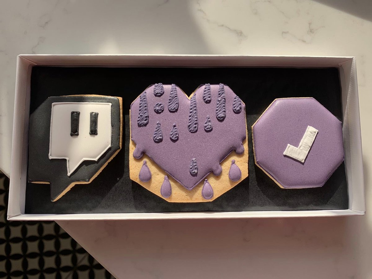 "Thanks @Twitch, even tho I'm an ""athlete"" I'm gonna eat them! 😁"