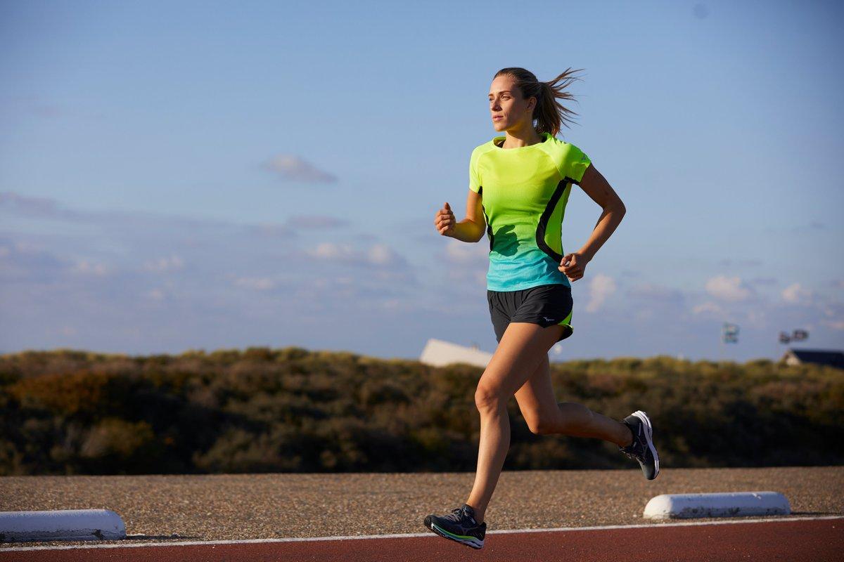 ¿Sabes cuáles son los principales beneficios de correr? Clica en el enlace y descubrirás las grandes ventajas que aporta el running a tu salud física y mental 👌🏼🏃♂️ ▶️ https://t.co/kiCvlEf4gy  #Mizuno #Running #MizunoRunning #Salud #Entrenamiento https://t.co/8LVg5uVOhd