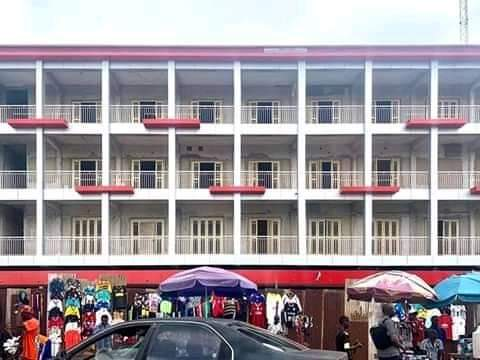 PROJECT UPDATE Remodelling of the old KASUPDA building to absorb the GSM market that operates on Ahmadu Bello Way Kudos to the visionary Governor of Kaduna @elrufai. Kaduna is on the rise again. https://t.co/MGlhljkAXV