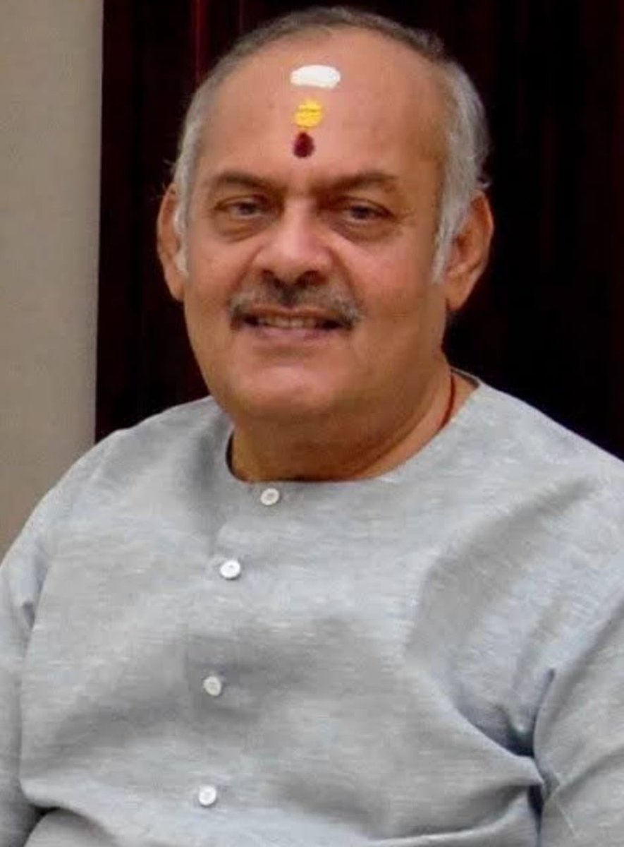 Shocked to hear that Krishna Kumar ji is no more. His life was dedicated to Āyurveda. Affable & gentle, have received his blessings each time he visited Shri Guruvayur. Grateful for the times I've spent at @avp_ayurveda. Always returned rejuvenated. Thank you Krishnakumar ji.