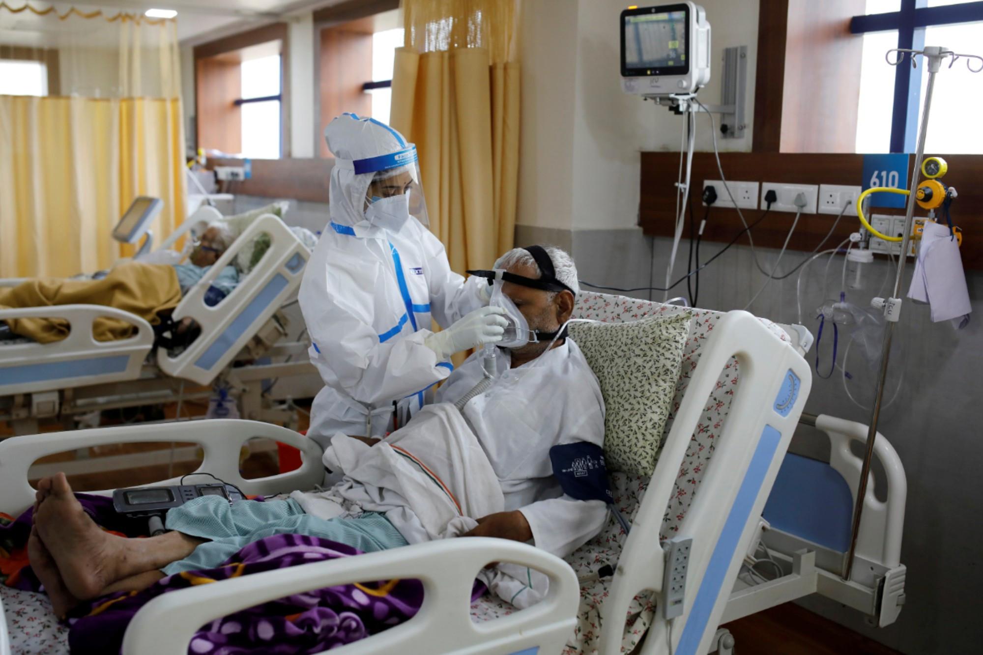 hospitals-in-india-scramble-for-oxygen-as-coronavirus-cases-top-5-million Photo