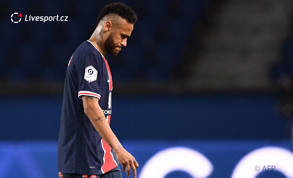 Porážky s Lens a Marseille, skóre 0:2, tři červené karty. Pekelný vstup PSG do sezony dnes můžou podtrhnout Méty. Pokud by se jim povedlo v Parku princů vyhrát, Pařížané by po více než deseti letech zaznamenali tři ligové prohry v řadě. https://t.co/L1xlESnJZt