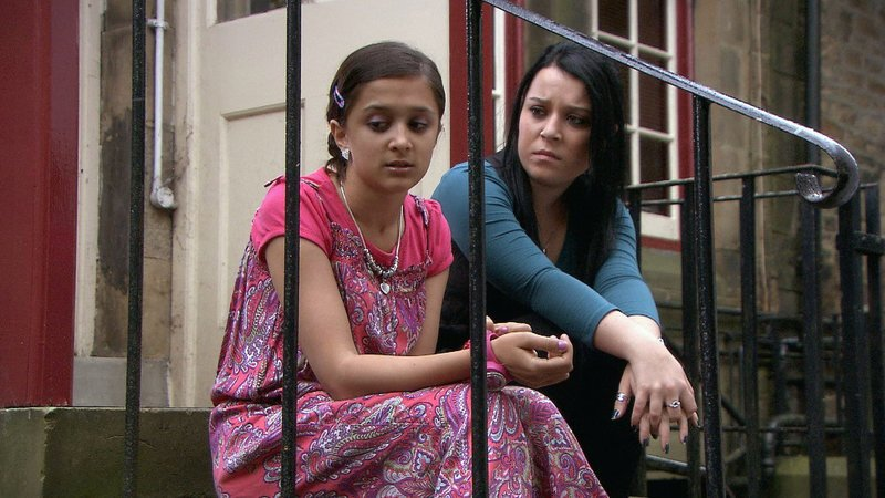 Amy-Leigh Hickman with Dani Harmer in Tracy Beaker Returns
