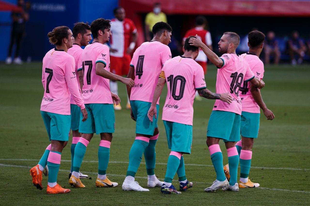 Los jugadores celebran con Leo Messi el gol del Barcelona (Foto: FCB).
