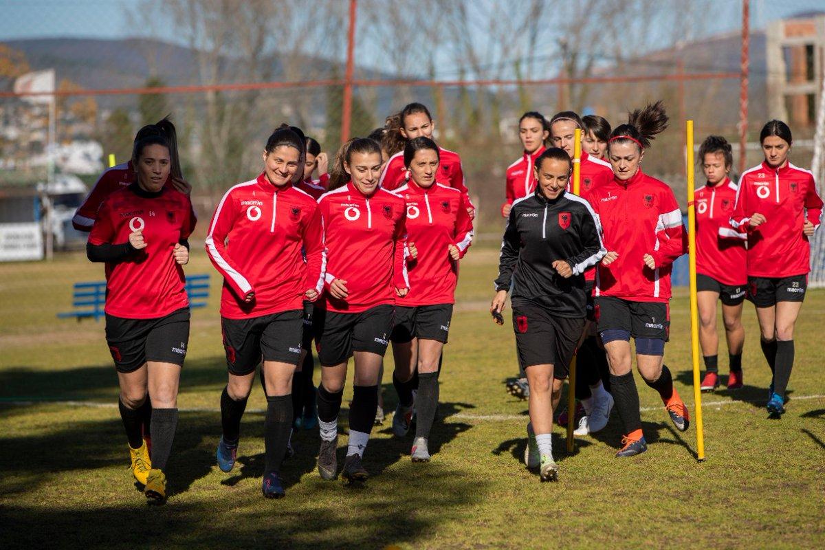 🇦🇱 e femrave, e drejtuar nga trajneri #ArmirGrima ka filluar ditën e sotme një grumbullim 5-ditor në qytetin e Shkodrës me përfaqësuesen A. 📰👉https://t.co/BCR50lKCoi https://t.co/iG1ekaRPLM