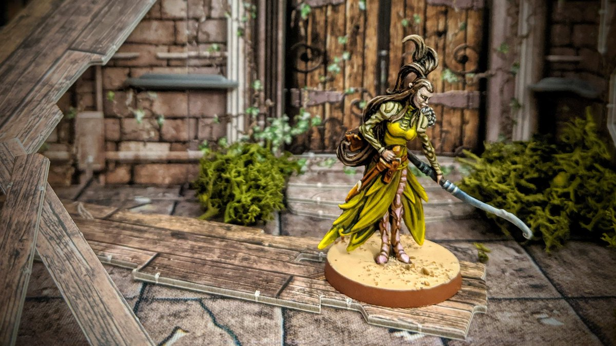 Child of the Golden Wood, Sibyl is fair of face and kind of heart, but do not let that fool you, she is relentless in her pursuit of the Darkness and you cannot hide from her Elven eyes...  #MassiveDarkness #Coolminiornot #Cmongames #Boardgames https://t.co/k5ckb7lAOQ