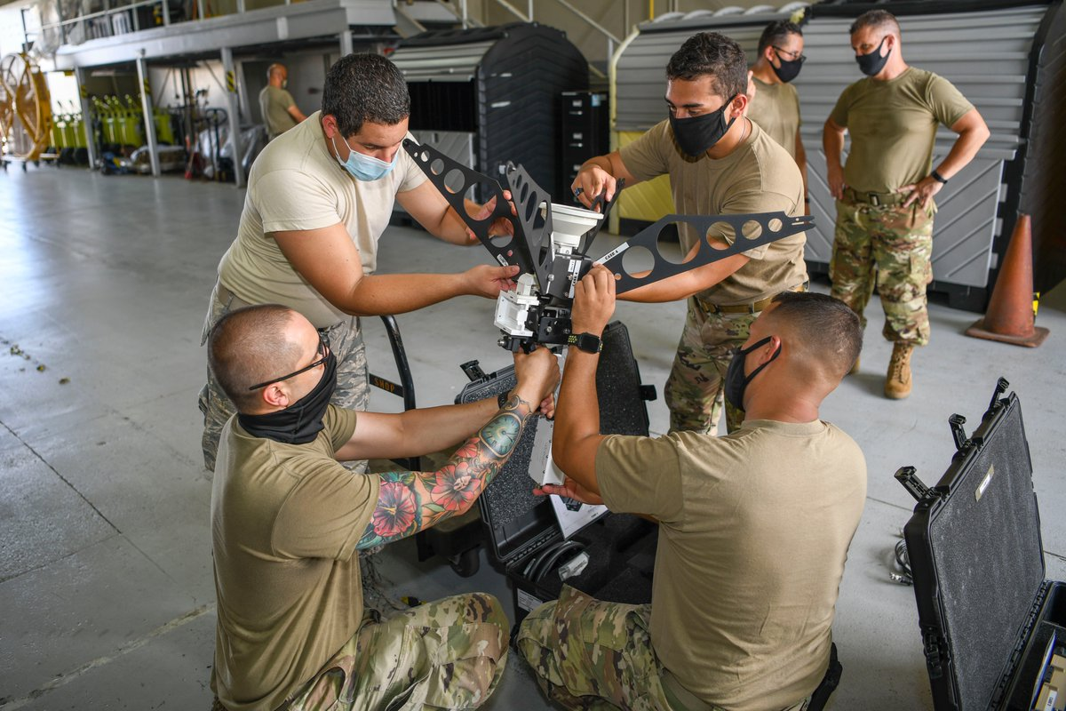 Airmen with the 156th Combat Communications Squadron, set up the ground antenna transmit receive (GATR) ball & small communications package. Specialized Airmen with the @NCAirGuard & the 101st Air Refueling Wing train PRANG Airmen in the assembly and procedures of this equipment. https://t.co/kmOqjPKEVV