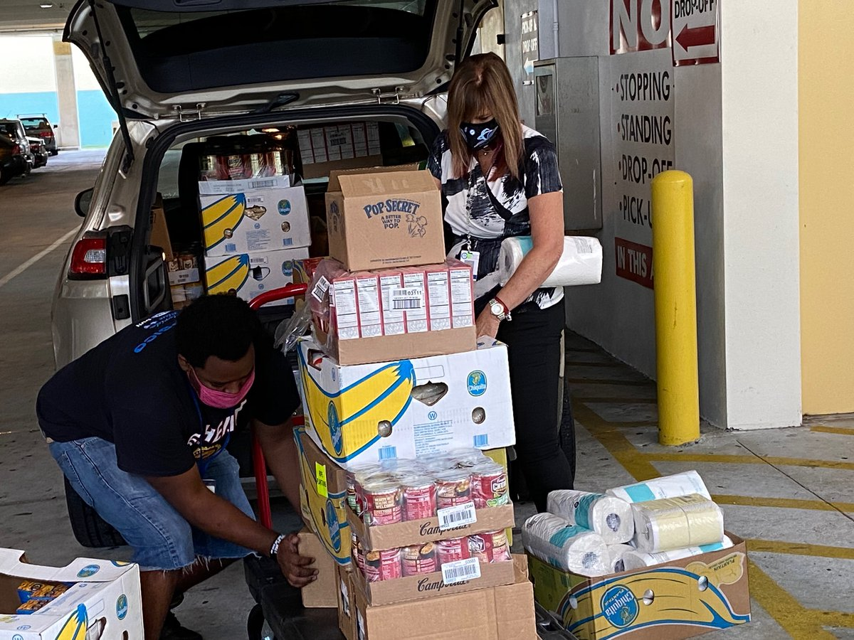 Thank you to @Publix for restocking pantry items @MDCPSTheShop & @WPLGLocal10 for raising awareness about the plight of hunger affecting our community. Annually, The Shop provides food, clothing, shoes and toiletries to more than 2,000 @MDCPS families in need. #ValuesMatterMiami https://t.co/tRXlh3rDTP