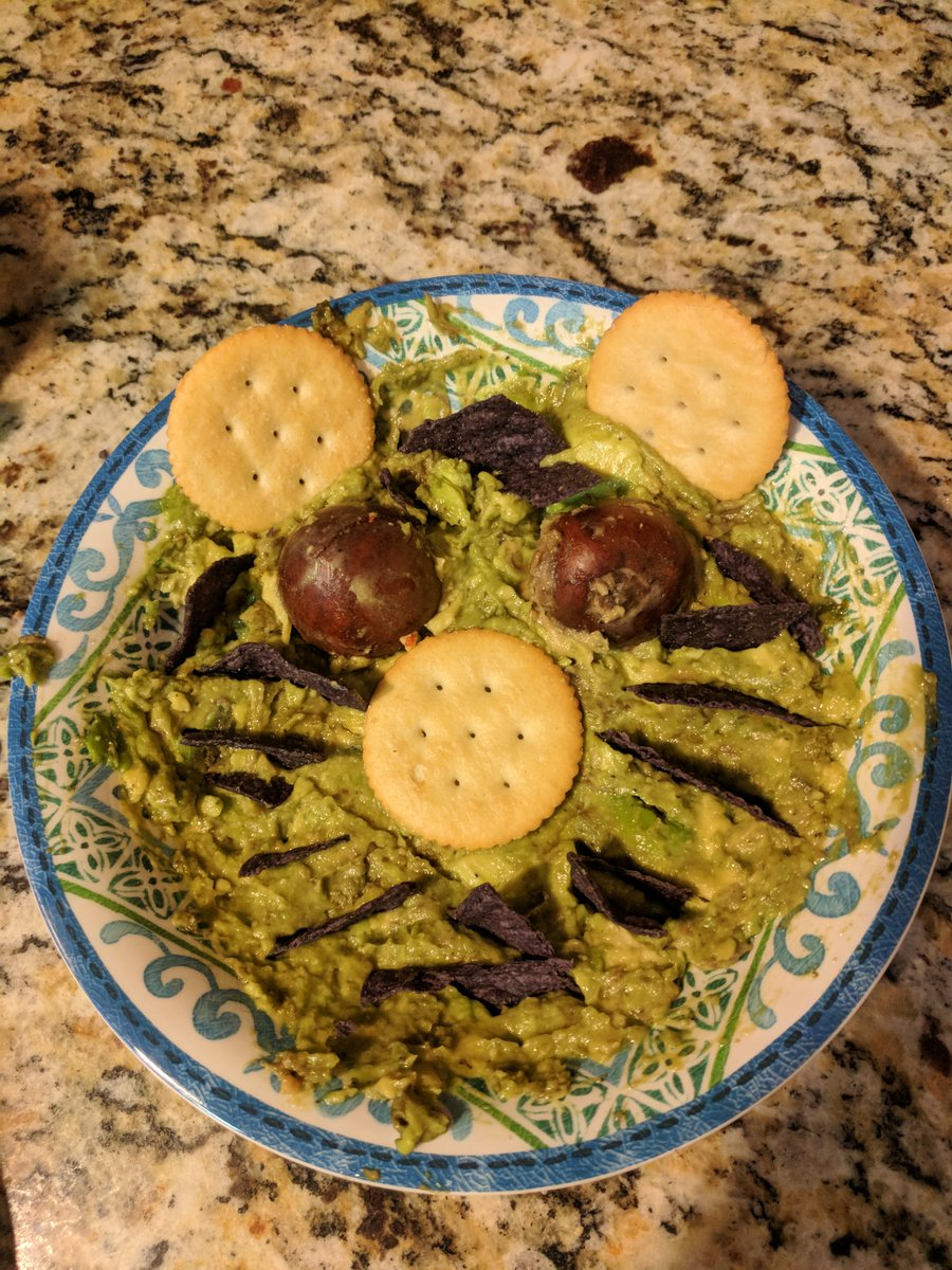 @mboat6 @TRS_R1 When life gives you avocados, make Ewokamole. #Maythe4th #NationalGuacamoleDay https://t.co/FPRT6lO2l1