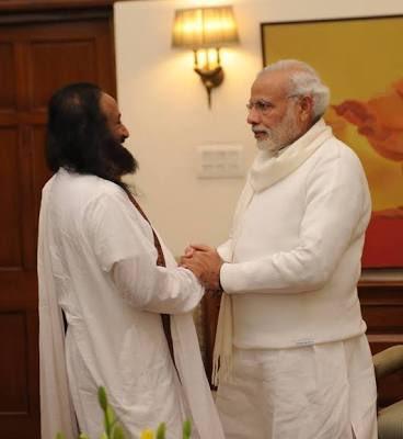 Wishing Hon'ble PM Sri @narendramodi Ji many many blessed returns of the Day! (File Pic with Gurudev @SriSri Ji ) #HappyBirthdayNarendraModi #NaMo https://t.co/wscx1PTcZq