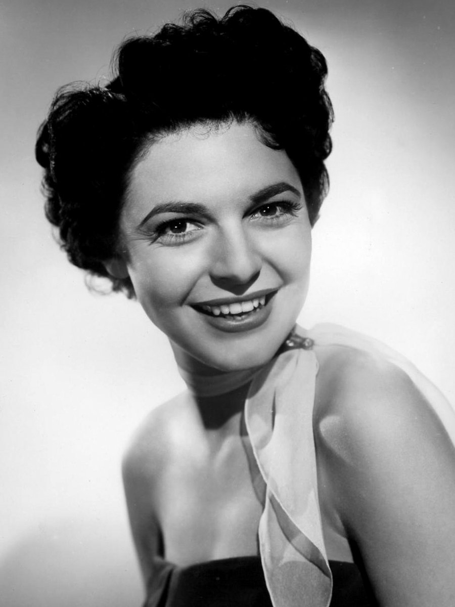 Anne Bancroft was born on this date September 17 in 1931. Photo credit: 20th Century Fox. #OTD https://t.co/3vb48yGQHn