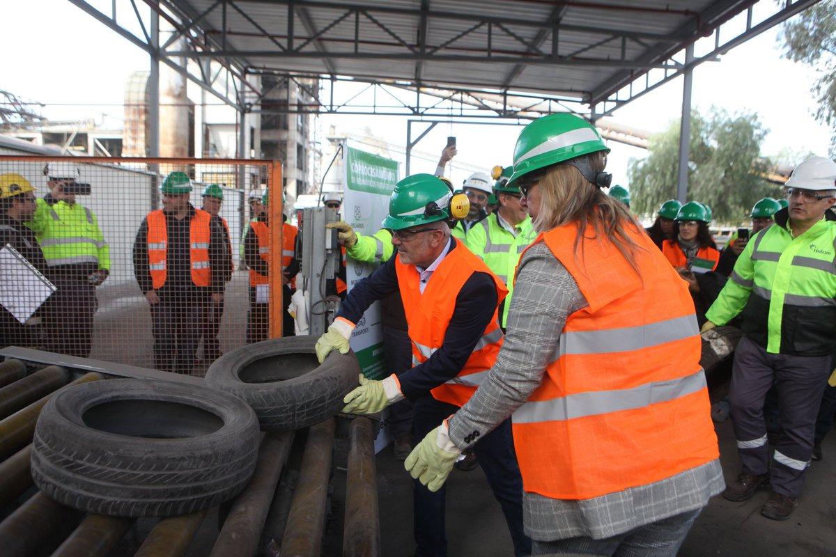 Desde la promulgación de la Ley 9146 y su Decreto Reglamentario 1374/2019 ya han sido coprocesadas 930 toneladas de neumáticos fuera de uso para favorecer la preservación del ambiente y la salud en Mendoza. https://t.co/32G9qXi80g https://t.co/sKkBgiM0Pn