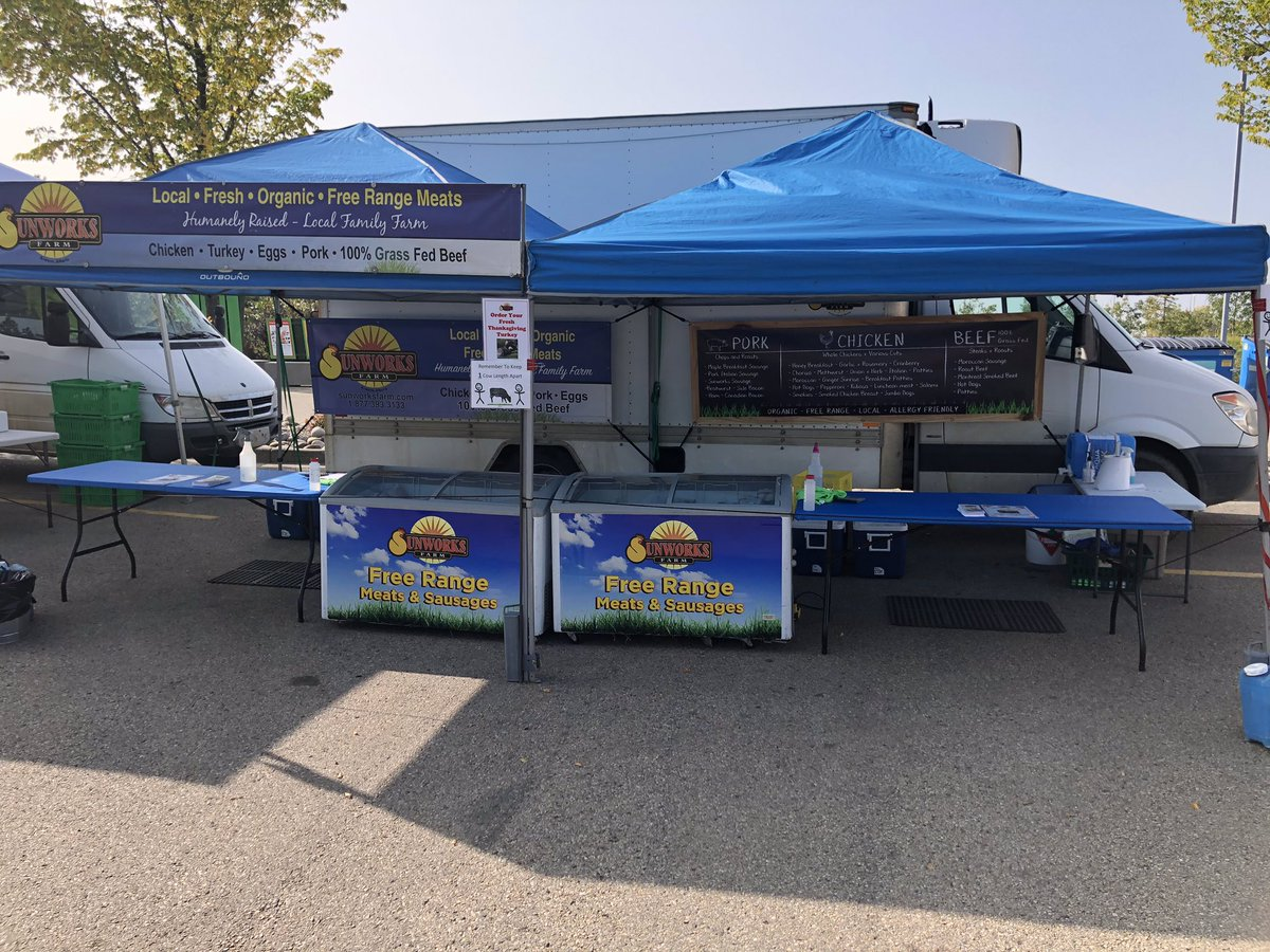 Another beautiful late summer night at the @SWEFM_YEG Southwest Edmonton Farmers Market  held at the Terwillagar Rec Center parking lot. Fresh chicken, beef and pork. We also have all of our sausages and Deli meats available. Open 4 - 7:30pm Wednesdays. #eatlocal #knowyourfarmer https://t.co/XPmtNfW0sA