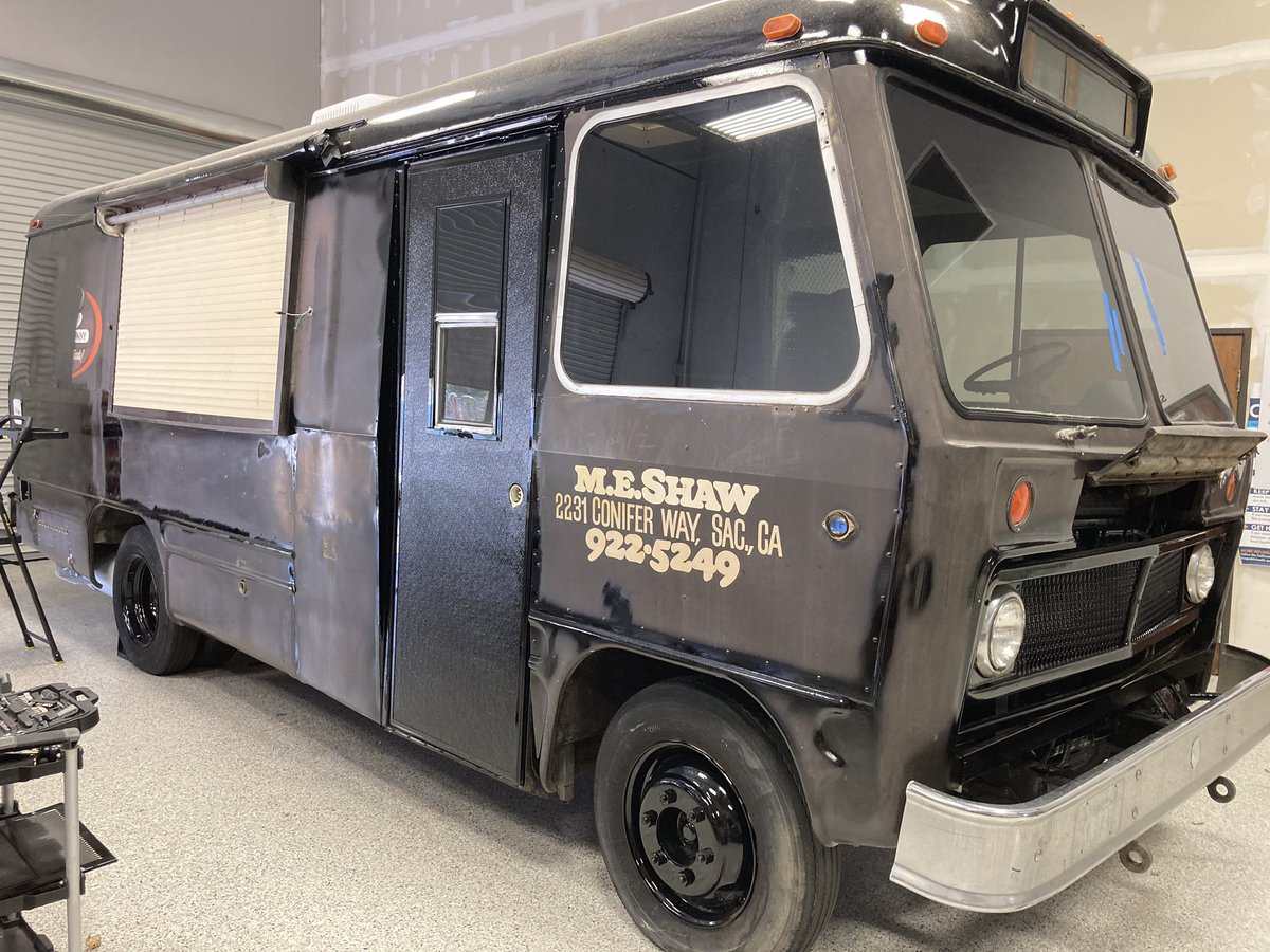 Before and after. Another one in the book. 1979s-ish transit bus converted to a food truck. #centurygraphics #emc2 #vehiclewrap #sacramento #themixup https://t.co/IMS7N5KdbB