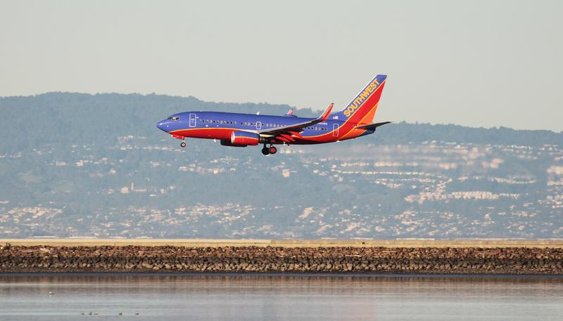 Southwest temporarily grounds 130 Boeing 737-800 airplanes over weight data https://t.co/u5fGsD6tQx https://t.co/3PSdEAEHqe
