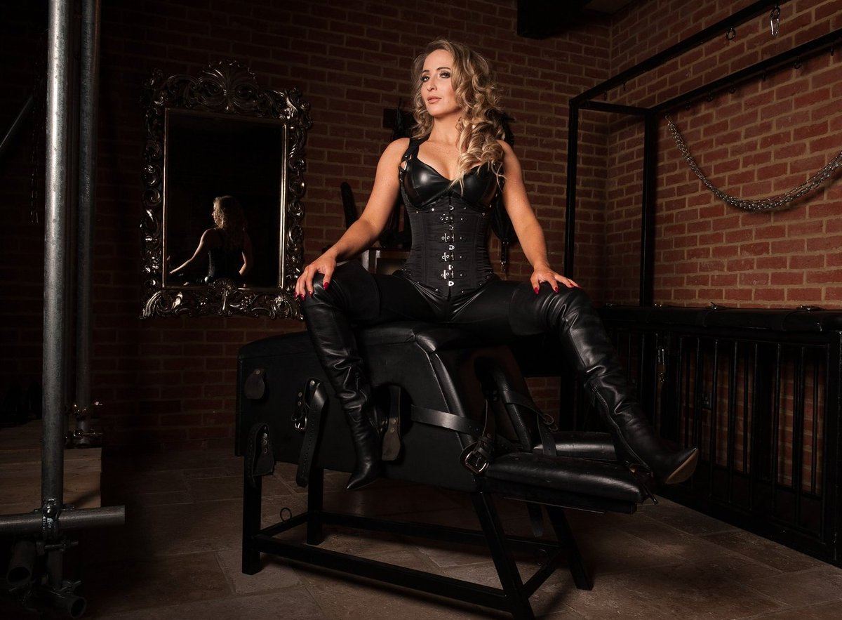The stunning beauty of Mistress Courtney.  So elegant and powerful, it is a true privilege to be allowed to submit to Her.  WORSHIP Her  @MissCourtneyM  https://t.co/gkkZJiQG9t  https://t.co/7jsCzvHTBj  https://t.co/fExFZm8C7R  #Femdom #Mistress #leather #bootworship https://t.co/cgbf56ER9c