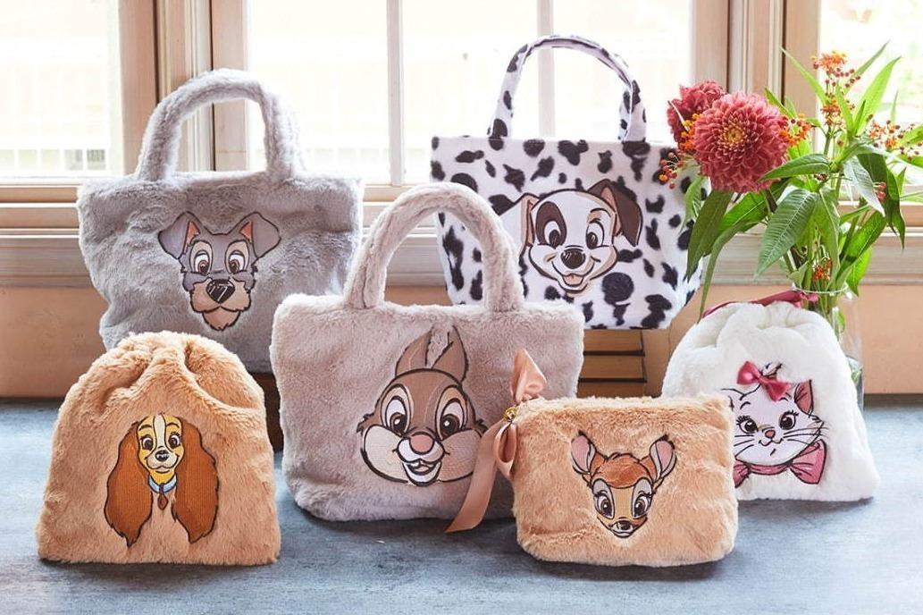 [明日発売] メゾン ド フルールの新作ディズニーコレクション、マリーやバンビがふわふわ素材のバッグ&ポーチに -