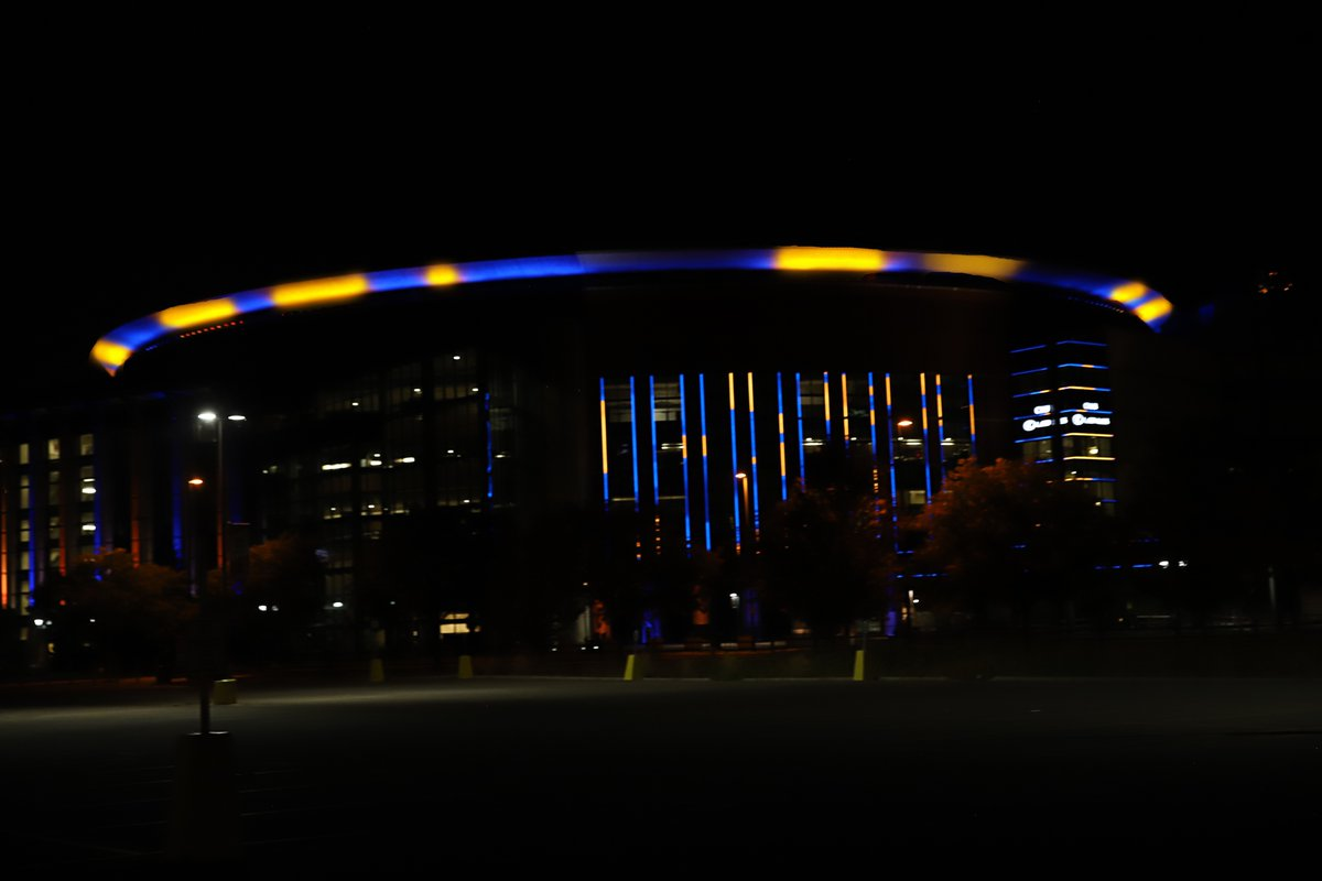 Proud to represent this place and the Mile High City 💙💛  #MileHighBasketball https://t.co/wXLqr4zX4y