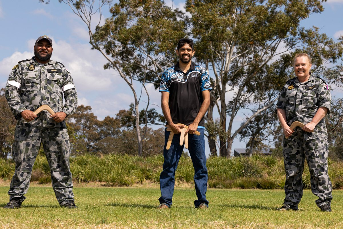 #YourADF from HMAS Albatross in Nowra recently participated in a Cultural Immersion workshop learning how to throw a Boomerang. These programs help personnel & community members form a better understanding of history, heritage & culture of the land. @Australian_Navy https://t.co/QNjg88iT1X