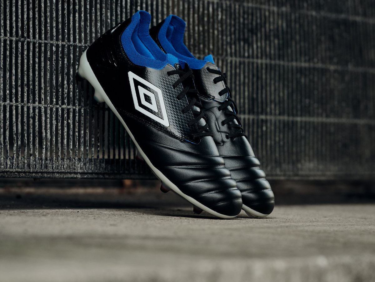 Umbro introduces the classy, touch-inspired Tocco Pro soccer boot for the playmakers.  The Tocco combines the superior control of a classic leather boot with the lightweight profile of a speed boot.   #Tocco #Umbro #UmbroFootball #Football #Soccer https://t.co/uSKw3oI56V