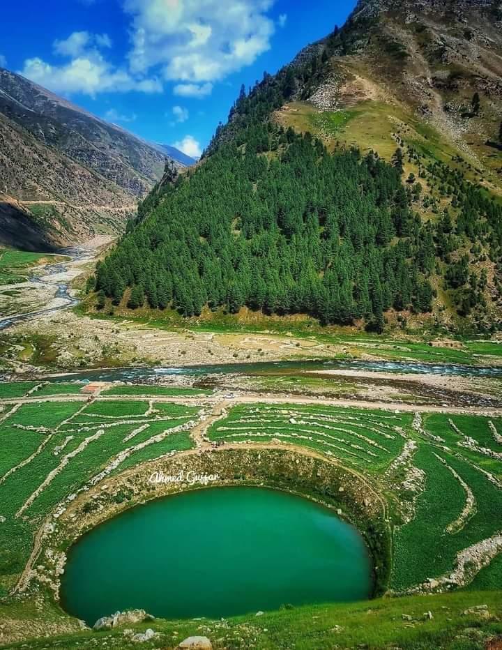 Pyala lake  Kaghan valley #Pakistan 🇵🇰❤ #photography #NaturePhotography #naturelover #beautifulworld #Tourism https://t.co/BJXxnznZh0