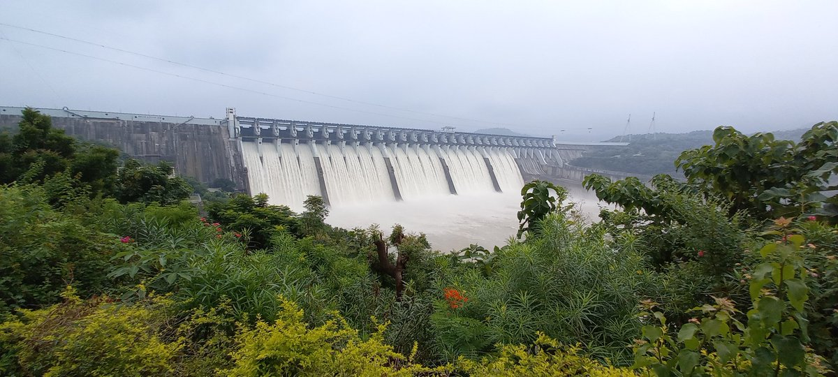 Sardar Sarovar Narmada Dam achieves full level of water on the Birthday of PM Modi